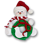 Sitting Snowman w/Wreath<br>Personalized Ornament